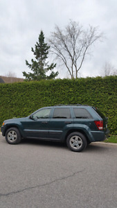 Jeep Grand Cherokee 2005 4.7L V8 4x4; toit ouvrant