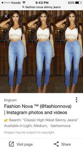 NEW WITH TAGS SEXY SKINNY JEANS FROM FASHION NOVA SIZE 7/8