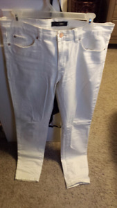 White skinny jeans size 30 (10)