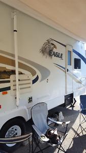 2007 Jayco 28.8  Eagle Travel Trailer 14ft slide