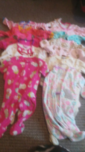 Selling baby girl clothing lot (3-6 month) 30$