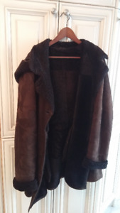 Stylish Authentic Shearling Winter Coat in Plus Size (XXL or 20)