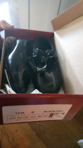 Girls dance tap shoes like new size 10