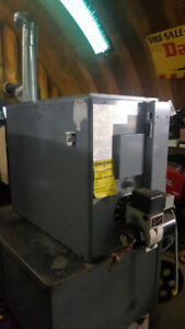 Oil heated shop furnace  ./without tank in excellent condition