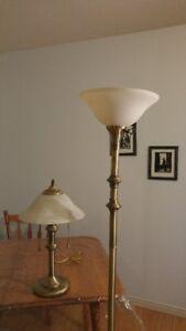 Lampe sur table et sur pied
