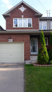 Immaculate 3 bedroom townhouse in Niagara Falls