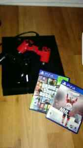 PS4 CONSOLE  / 2 CONTROLLERS  / 2 GAMES