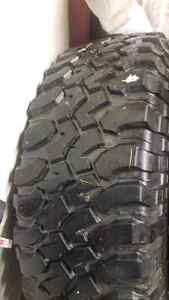 5x BF Goodrich KM Mud Terrain LT255/75R17 tires and Willy's rims West Island Greater Montréal image 6