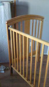 Lit en bois pour bébé inclus matelas bassinette