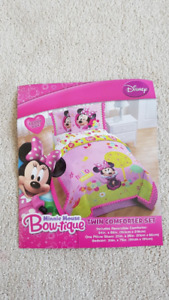 Minnie twin comforter set + matching curtains+mirror+other