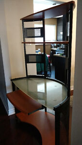 Amazing  Desk - excellent condition - Glass on top
