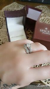 Beautiful engagement ring set - over a karat - beautiful...!!!!!
