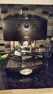 machine café espresso Gatineau Ottawa / Gatineau Area image 1