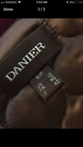Good condition Women's Danier Leather Coat (small)