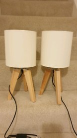 2x Wooden Tripod Lamps