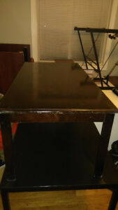 one coffe table to sell