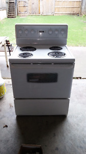 Stove for sale - Perfect for Rental Property