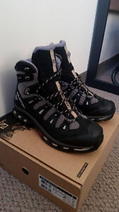 Salmon Quest 4D  2 GTX Mens Size US10 Hiking Boot