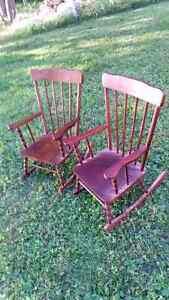 2 Chaises berçantes pour enfants New