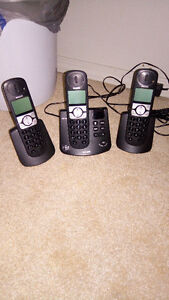 3 piece Philips 6.0 Cordless phone set with answering machine