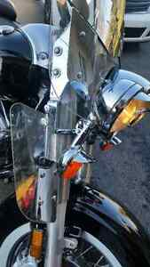 Windshield and all hardware Original Road Star / Vitre et attach Cornwall Ontario image 3