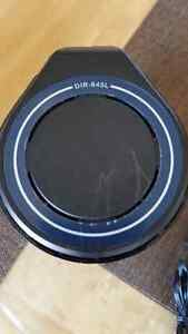 D-Link Cloud Router in excellent working and cosmetic condition. St. John's Newfoundland image 4