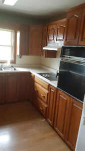 SPACIOUS 3BED 1 BATH UNIT CLOSE TO DOWNTOWN
