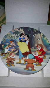 Disney collector plate Snow White  Happy Ending