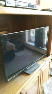 "Phillips 28"" TV EUC"