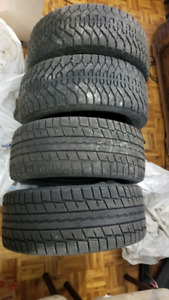 Selling 225/50R/17 winter tires (with extra tire)