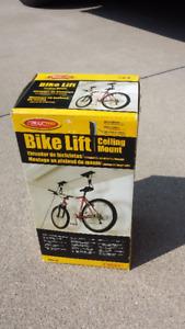 Ceiling bicycle lift/hoist rack