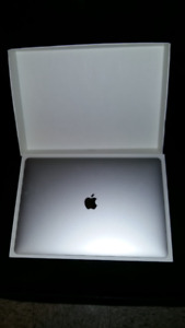 MacBook Pro 15,4 po Apple/barre tactile (Core i7 2,8GHZ Intel.