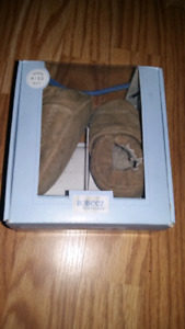 "Robeez soft sole collection ""camel boston"" 6-12 months"