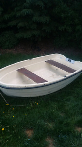Boat for sale like bran new only used a couple of times