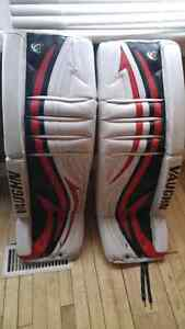 34 +2 Vaugh v5/v4 pro return goalie pads with b/t and chestie