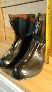 Rubber Overboots. Zip. Size 8.5