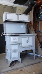 antique findlay  super oval cook stove