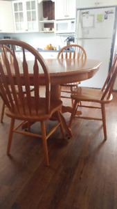 Oval table, one leaf and six chairs