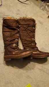 Size 10 Aldo boots