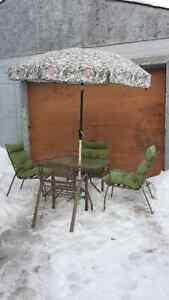 Patio furniture set, metal frame: table, 4 chairs, umbrella