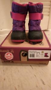 Kamik toddler boots size 7