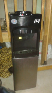 MASTER Chef Hot Room and Cold Water Cooler, Black/Stainless