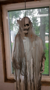 Just in time for Halloween!! Hanging ghoul prop!