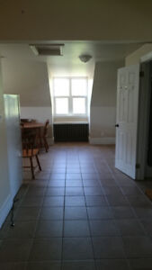 2 Bedroom Apartment for Rent, Unfurnished, Parking, Utilities