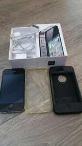 Iphone 4S unlocked (was with MTS) 2 cases
