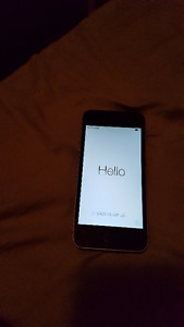 Virgin/Bell iPhone 5S 32gb with charger