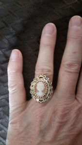 14K Gold Antique Cameo Ring