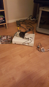 Xbox 360 60gb with mic and headset included 120$