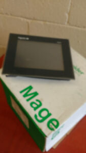 HMI ecran 7.5 pouces Magelis de Schneider