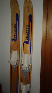 Antique water skis